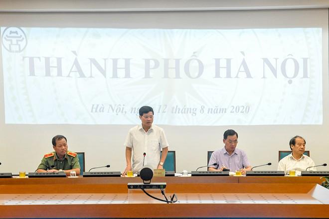 Phó Chủ tịch UBND TP Ngô Văn Quý phát biểu tại phiên họp