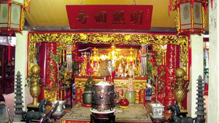 Trong quan niệm dân gian, đền Hỏa thần là ngôi đền thờ Quang Hoa Mã Nguyên Suý – một vị thần Lửa có khả năng giúp dân diệt trừ đại hỏa.