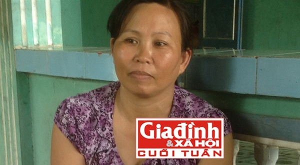 Chị Nguyễn Thị Hường kể chuyện về thầy rắn Bảy An.