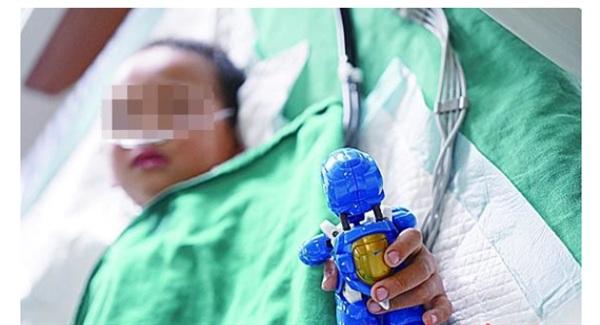 Vinh Vinh đang được điều trị tại bệnh viện.