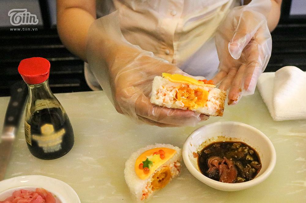 Vì đây là bánh tươi nên đượcdùng trong khoảng 3 - 4h sau khi thành phẩm làngon và tươi nhất