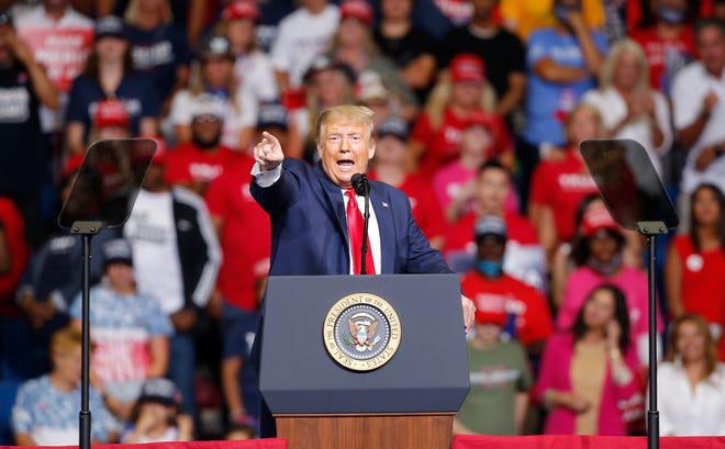Tổng thống Mỹ Donald Trump háo hức được gặp gỡ cử tri. Ảnh: USA Today.