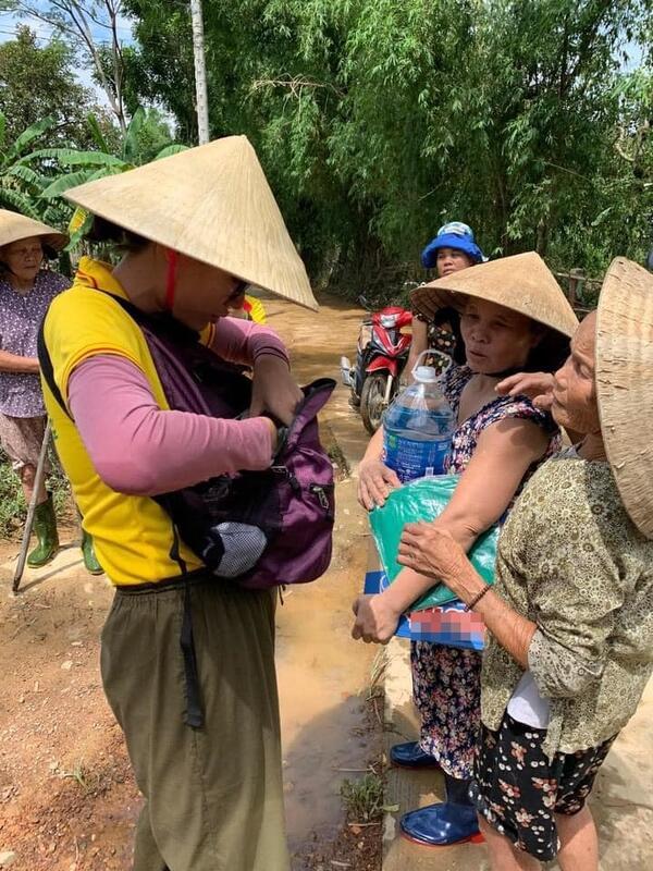 Một số hình ảnh của Trang Trần tại miền Trung