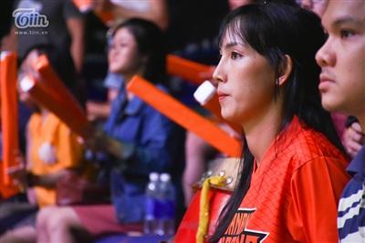 Trải qua 4 hiệp thi đấu căng thẳng, Danang Dragons và Thang Long Warriors bước vào hiệp phụ để phân định thắng bại. Đây cũng là giây phút căng thẳng tột độ với người hâm mộ những chú rồng sông Hàn.