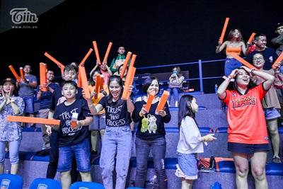 Fans Danang Dragons nín thở rồi vỡ òa trong khoảnh khắc 'phần thắng đã nằm trong tay' 11