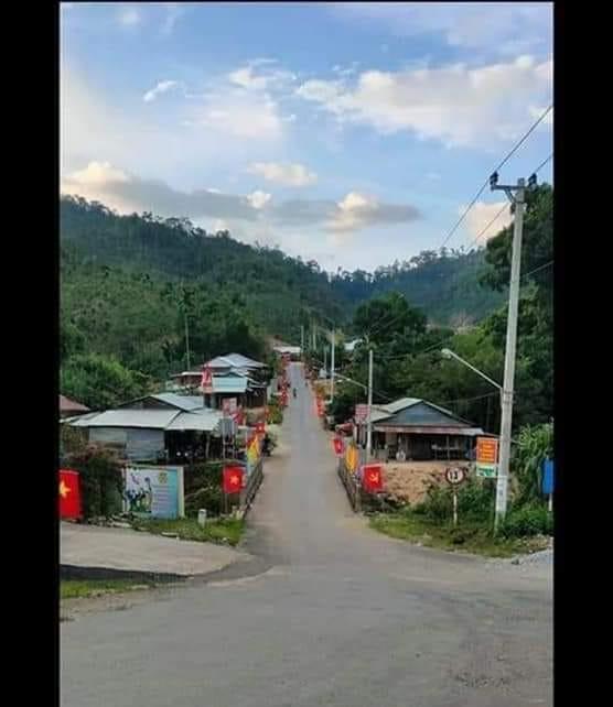 Ngôi làng trước khi xảy ra vụ thảm họa sạt lở đất - Đình Thức