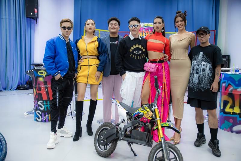 Ba cái tên đình đám của làng người mẫu Việt Nam quy tụ trên hàng ghế giám khảo, cùng với Rapper Yuno BigBoi, DJ Akuti, Mr.Mushroom, Tùng Hades.
