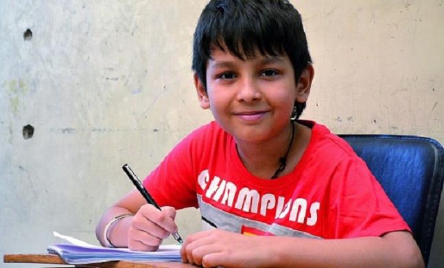 Với trí nhớ siêu phàm cùng vốn hiểu biết phong phú,Agastya Jaiswal được mệnh danh là 'cậu bé google' ở Ấn Độ.