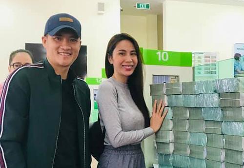 Thủy Tiên cho rằngkhông có trách nhiệm giải trình tiền từ thiện với Hồng Quế mà chỉtrình bày với những người gửi tiền vào quỹ cứu trợ miền Trung.