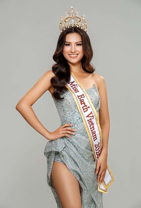 Thái Thị Hoa đại diện Việt Nam tham gia Miss Earth 2020.