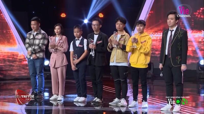 'Khó tin'! Các Siêu trí tuệ Việt Nam mùa 1: Người thảnh thơi cưỡi trâu, người đổi ngành học mới 0