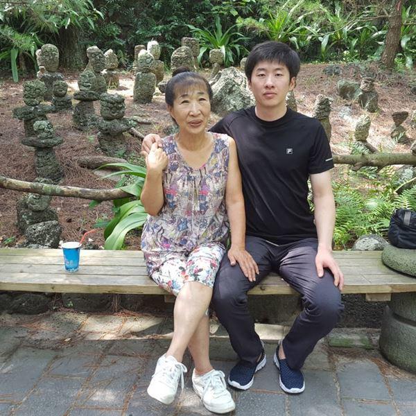 Cặp đôi chênh lệch 35 tuổi dự định kết hôn trong thời gian tới.