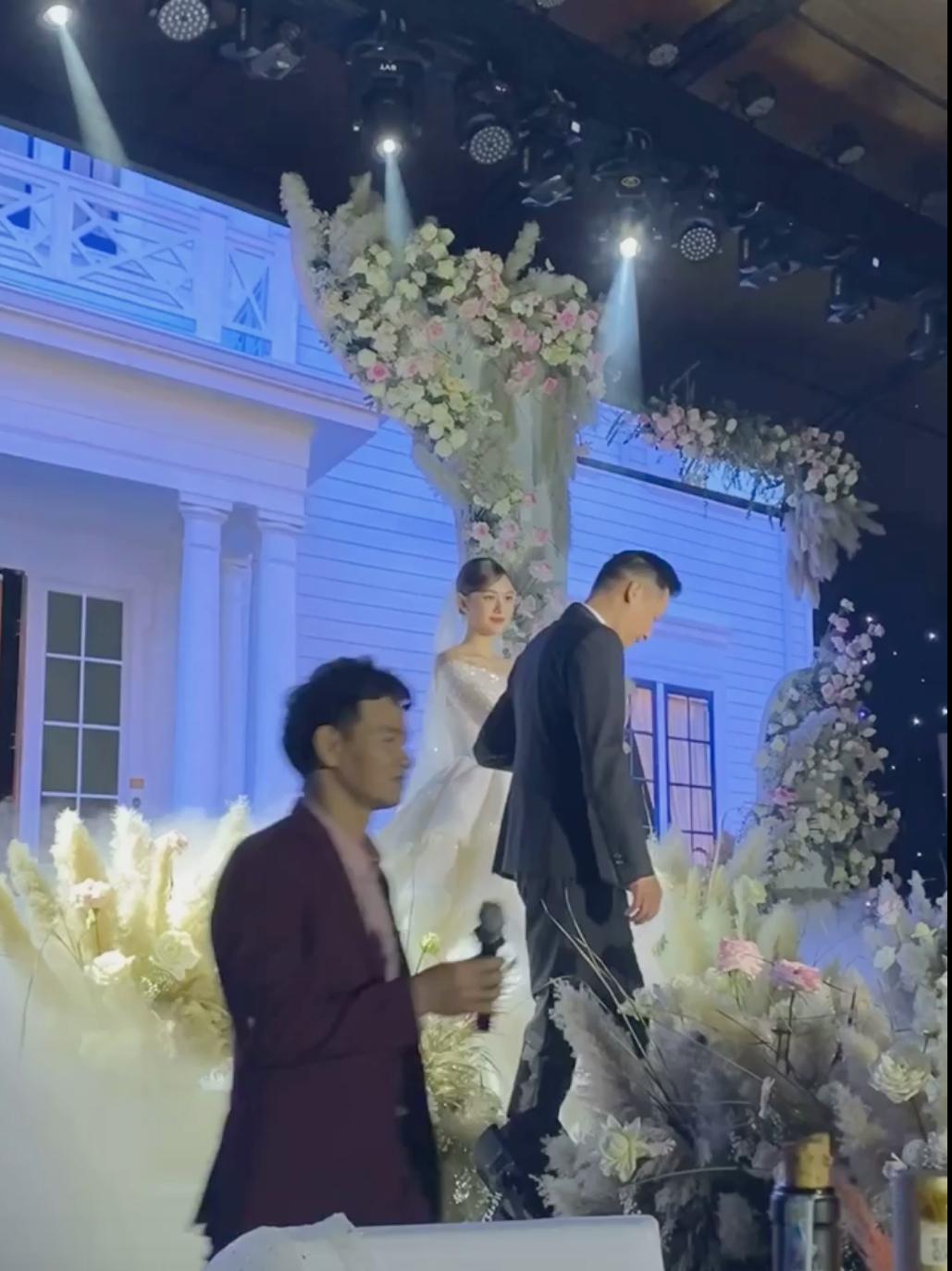 Xuân Bắc trở thành MC trong đám cưới của Á hậu Tường San