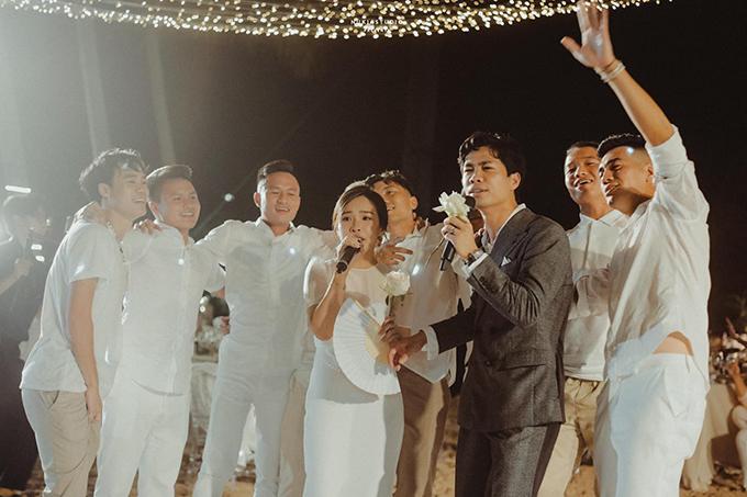 Công Phượng - Viên Minh đã tổ chức đám cưới ở 2 địa điểm TP.HCM và Phú Quốc.