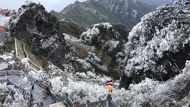 Dự báo cuối tuần vùng núi phía bắc sẽ xuất hiện băng giá. Ảnh Tiến Đạt.