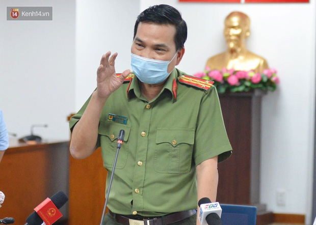 Đại tá Nguyễn Sỹ Quang, Phó Giám đốc Công an TP.HCM phát biểu trong buổi họp báo