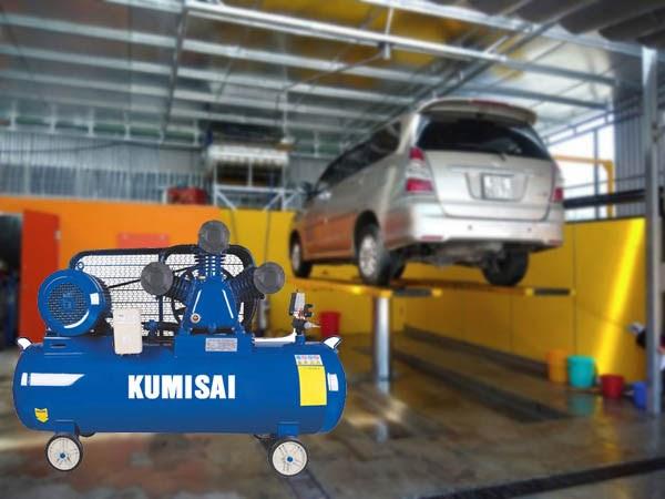 Tiệm rửa xe ô tô sử dụng cầu nâng cần trang bị máy nén khí có công suất từ 5.5HP trở lên