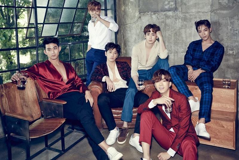 Đội hình 6 thành viên của 2PM gồm Jun.K, Nichkhun, Wooyoung, Junho, Taecyeon và Chansung.