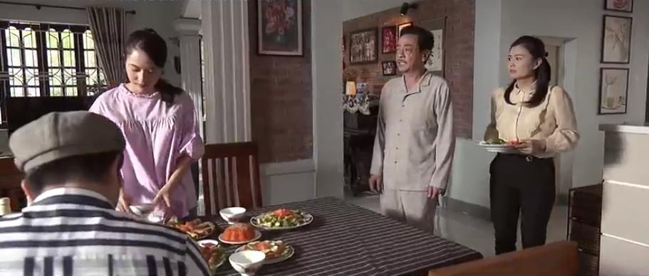'Trở về giữa yêu thương' tập 18: Việt Hoa bị cả nhà 'chửi banh xác' vì livestream hớ hênh, phản cảm 4
