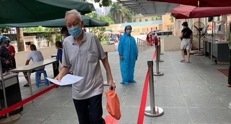 Thêm 2 ca mắc COVID-19 nhập cảnh vào Việt Nam