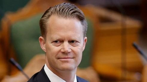 Ngoại trưởng Đan Mạch: 'Quan hệ với cô gái 15 tuổi là lỗi lầm lớn nhất trong đời'
