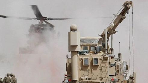 Tình hình Syria: Dàn trực thăng Mỹ 'quấy rối' quân đội Nga ở Syria