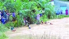 Bão số 5 gây thiệt hại nặng ở miền Trung, 1 người thiệt mạng, hơn 3.000 dân bị cô lập
