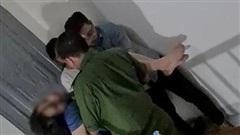 Cô gái 19 tuổi đóng chặt cửa rồi cắt cổ tay trong phòng trọ