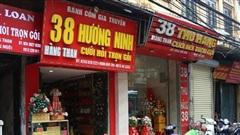 Mùa cưới cận kề, niềm vui trở lại trên những 'con phố cưới hỏi' ở Hà Nội: