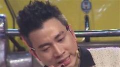 Hiếm hoi lắm khán giả mới thấy một Karik 'mềm yếu', rơi nước mắt trên truyền hình thế này!