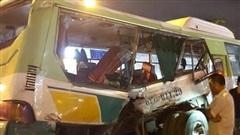 Tin tai nạn giao thông mới nhất ngày 20/9/2020: Một cô gái tử vong dưới gầm xe ô tô trên quốc lộ 1A