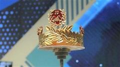Vòng nguyệt quế được mạ vàng 9999 của quán quân Olympia 2020