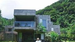 Từ nghèo khó 'vụt' thành tỷ phú, người đàn ông mua cả thung lũng 22.000m2 xây biệt thự sống an nhàn