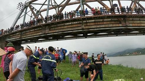 Bắc Giang: Xác định nguyên nhân vụ tài xế nhảy sông cứu cô gái trẻ, cả 2 tử vong
