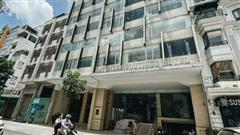 Chùm ảnh: Khách sạn ở trung tâm Sài Gòn ngừng hoạt động, rao bán vì 'ngấm đòn' Covid-19