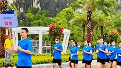 Gần 3.000 người tham gia chạy việt dã