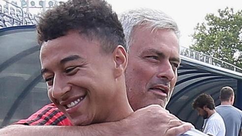 Mourinho 'giải cứu' Lingard khỏi MU, Liverpool ký tiếp