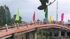 Người trúng giải Jackpot của Vietlott xây cầu cho người nghèo