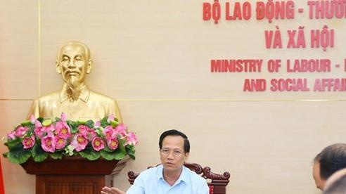 Bộ trưởng Đào Ngọc Dung: 'Tấm gương sáng vì cộng đồng phải tạo sự lay động, khơi dậy lòng nhân ái, hướng thiện của xã hội'