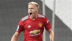 Hàng tiền vệ của Man United đang yếu đi vì… Van de Beek?