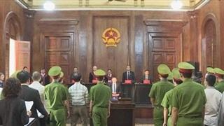 Đề nghị hàng chục năm tù với nhóm bất mãn gây nổ tại trụ sở công an