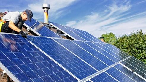 EVN 'lúng túng' với điện mặt trời mái nhà, xin chỉ ký hợp đồng mua bán điện với các hệ thống không gây quá tải