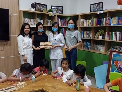 Doanh nghiệp du lịch Hà Nội mang Trung thu tới cho các bệnh nhi
