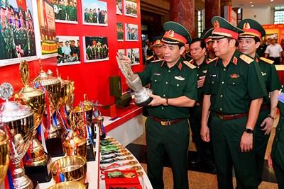 Kiểm tra công tác trưng bày, tổ chức, bảo đảm phục vụ Đại hội Đảng bộ Quân đội lần thứ XI