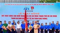 Đoàn viên, thanh niên thành phố Hồ Chí Minh tham gia bảo đảm an toàn giao thông