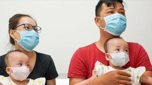 Cặp song sinh Trúc Nhi - Diệu Nhi được tạm xuất viện