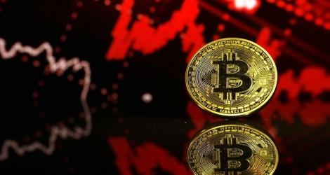 Bitcoin giảm mạnh 261 USD/BTC, thị trường lao dốc