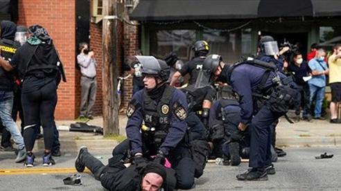 Một cảnh sát Mỹ bị bắn tại bang Kentucky