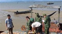Bắt giữ 3 vụ vận chuyển thảo dược và thuốc lá điều trái phép trên vùng biển Quảng Ninh