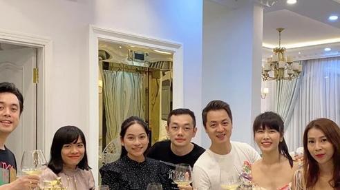 Sara Lưu vác bụng bầu song thai ở những tháng cuối cùng ông xã hội ngộ gia đình Đăng Khôi